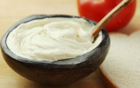 How to Make Mayonnaise in Two Minutes or Less